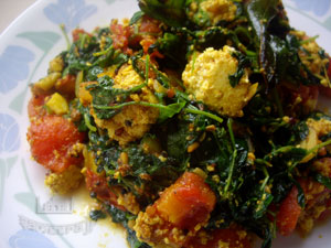 methi_paneer.jpg(27113 byte)
